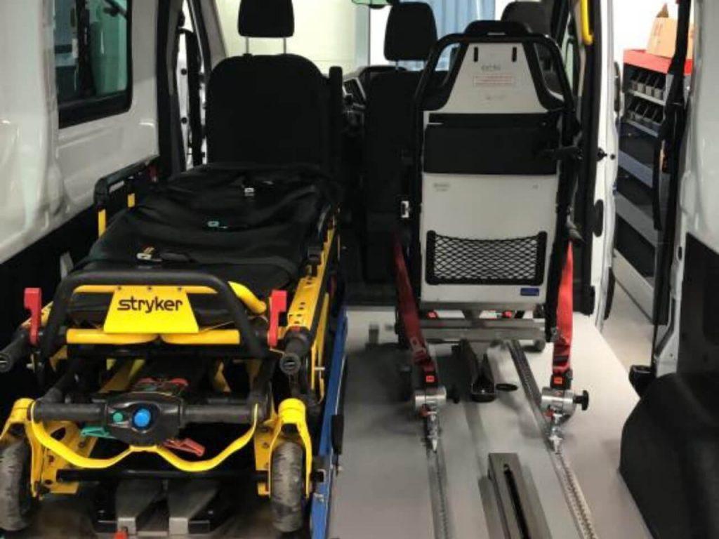 Ford Transit LH2 Umbau Krankentransport - behindertengerecht - Fricke Behindertenfahrzeuge Oldenburg Bremen Wilhelmshaven (1)
