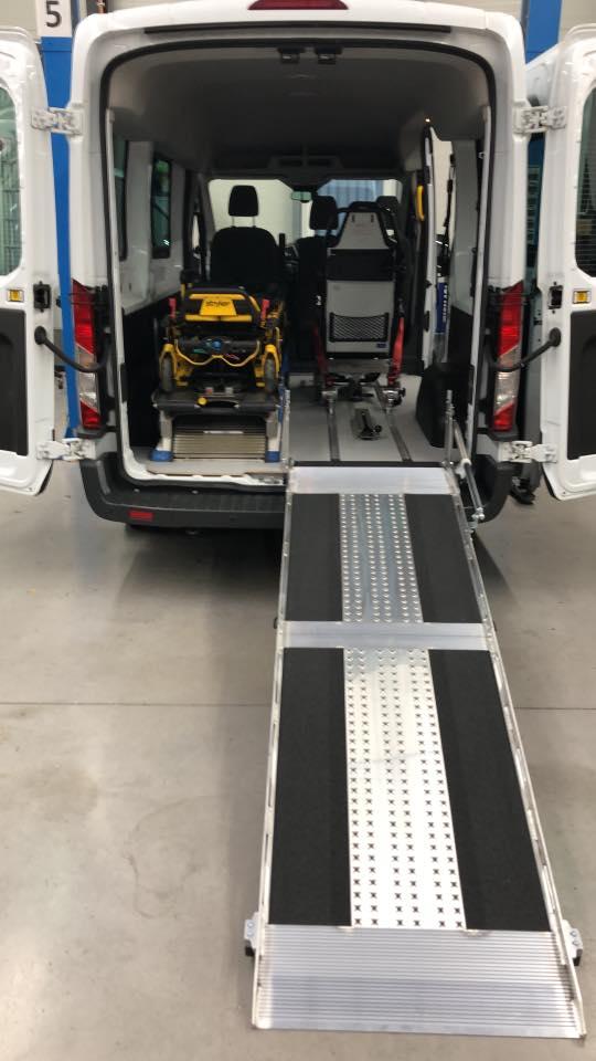 Ford Transit LH2 Umbau Krankentransport - behindertengerecht - Fricke Behindertenfahrzeuge Oldenburg Bremen Wilhelmshaven (2)