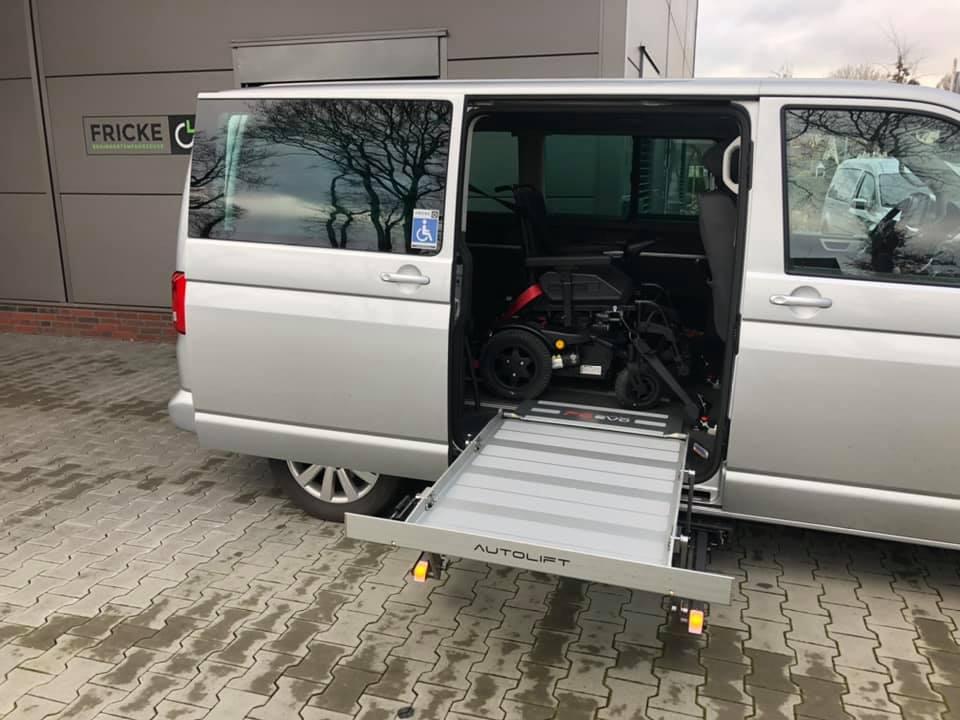 VW T6 Multivan - behindertengerechter Umbau mit Kassettenlift - Fricke Bremen Oldenburg Wilhelmshaven (1)