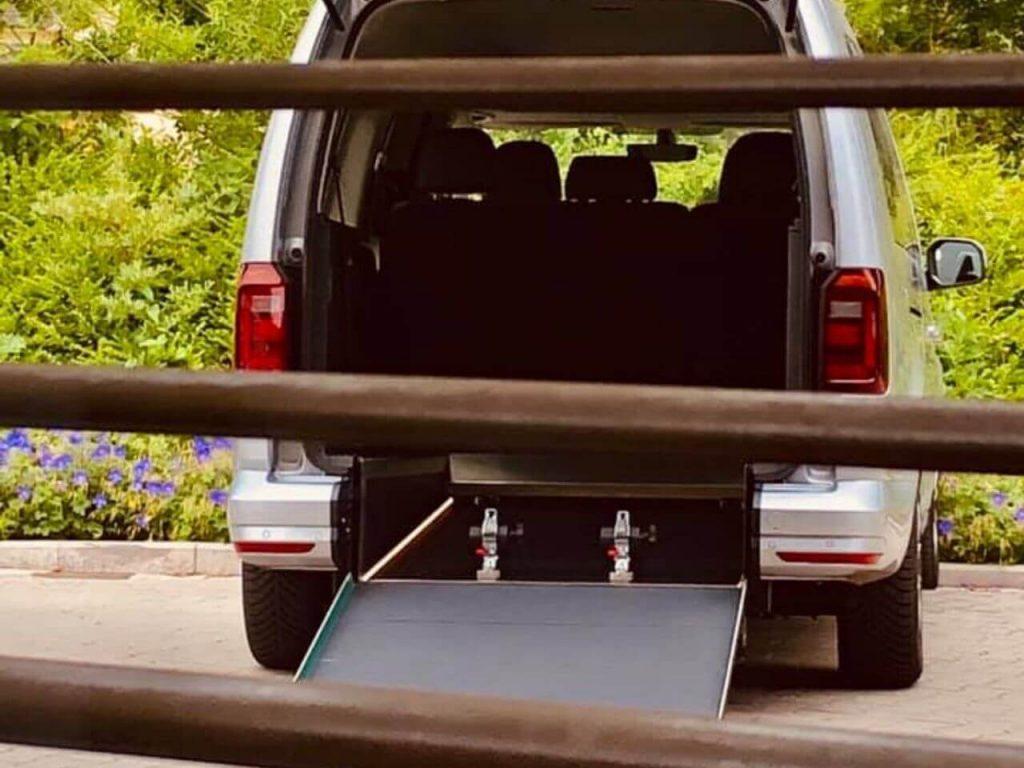 VW Caddy Maxi mit extra-breitem Heckausschnitt (93cm)